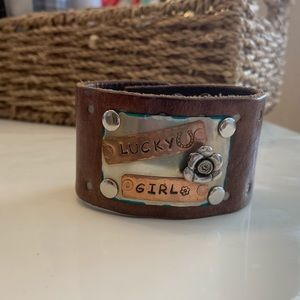 'Lucky Girl' leather snap cuff